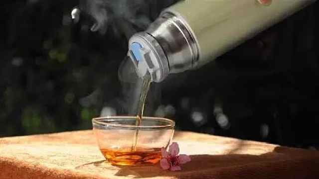 教你如何用保温杯泡杯茶