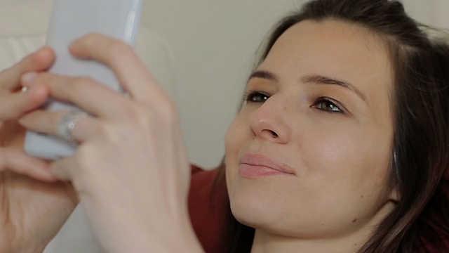 智能手机上瘾可能会引发抑郁和焦虑