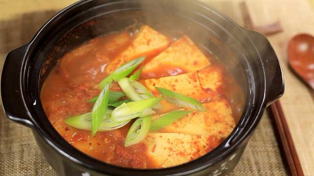 私房手艺辣白菜豆腐汤