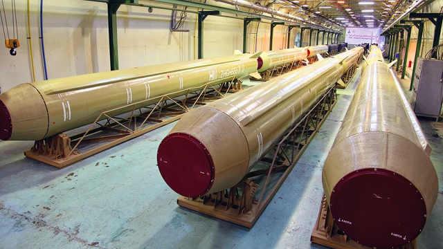 伊朗坐拥千枚导弹 威胁美国