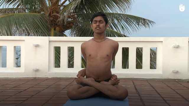 印度古式瑜伽教学:锁莲式