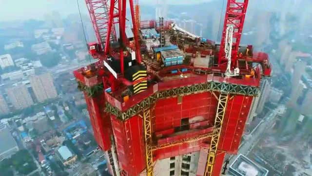 中国首创空中造楼机