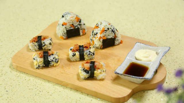 教你5分钟做出两款美味的海苔寿司