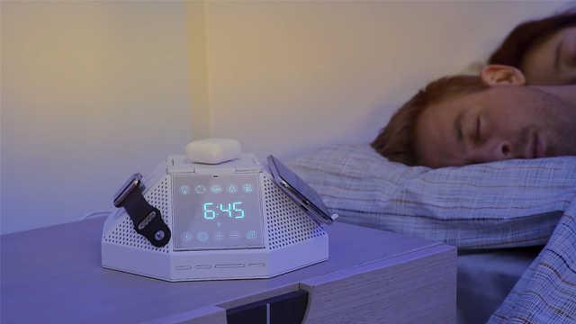 能当闹钟的多功能充电器