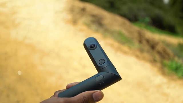 同时有360°全景和180°立体拍的相机