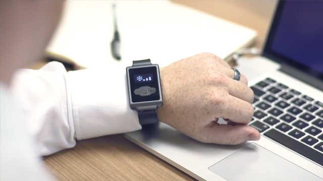 这个智能手表能控制体温,随时随地