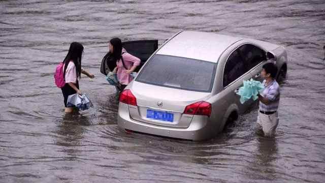 大雨天车被淹,没买涉水险怎么办?