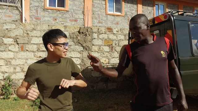 中国小伙挑衅世界马拉松冠军