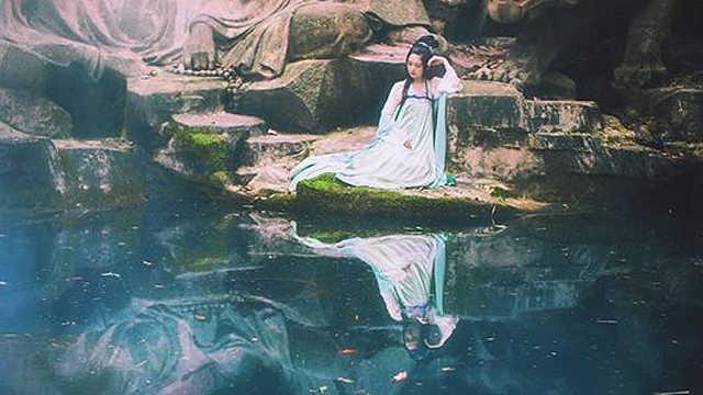 """""""五彩石""""是神话中最常见的颜色?"""