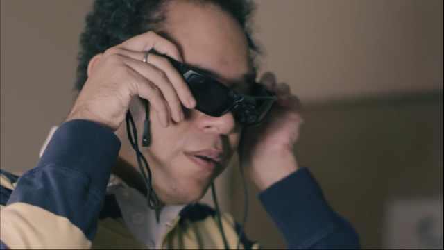 国外研发盲人眼镜,是什么原理?