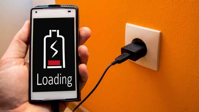 手机长时间充电不拔电源会炸吗?
