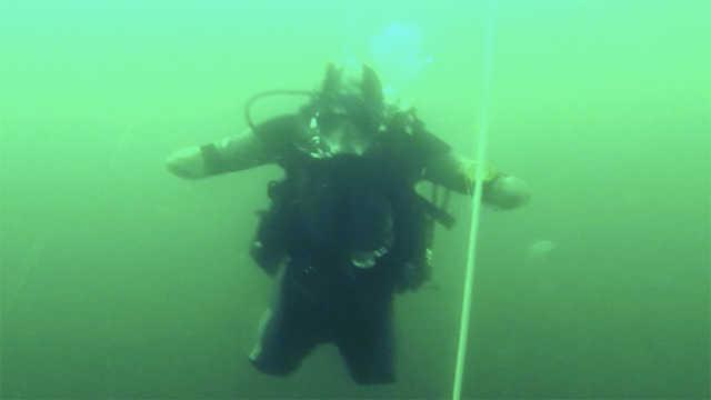 俄罗斯四肢截肢者成世界级潜水员
