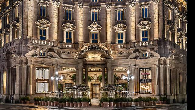意大利首家星巴克在米兰开业