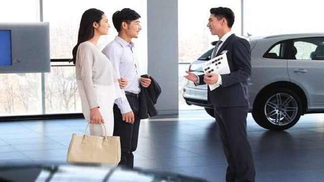 4S店汽车销售员每个月靠什么挣钱?