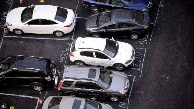 买车位还是租车位?快戳视频