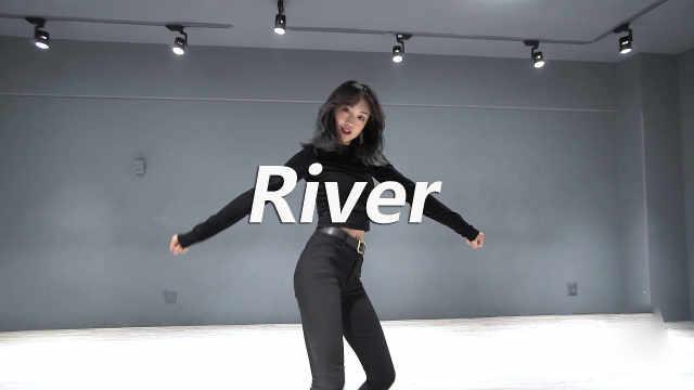 雨菲翻跳《River》