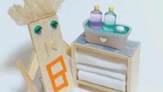 用DAISO的小玩具做迷你毛巾架吧!