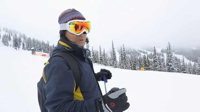 挑战马莫百森滑雪场高级赛道