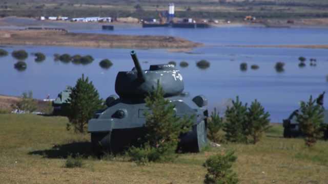 带你看看这个由坦克组成的景区