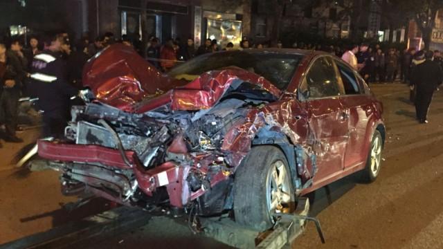 酒驾后连撞7车致2人死亡,已被刑拘