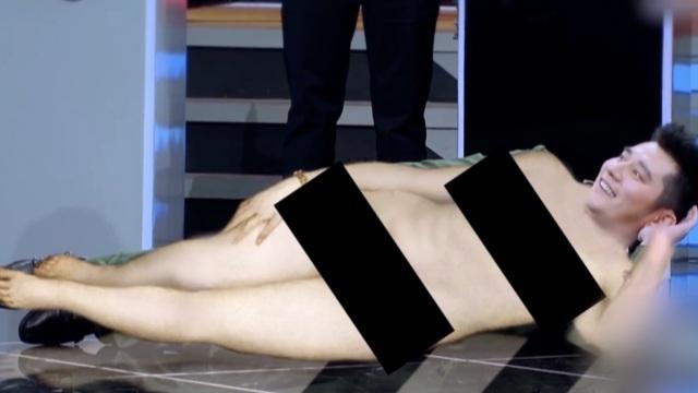 薛之谦少时名画:打麻将的蒙娜丽莎