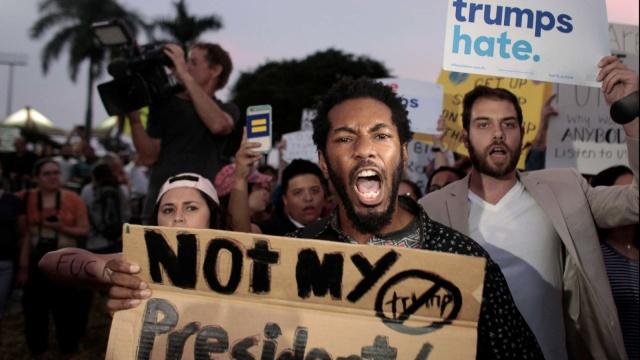 直击美国多地反特朗普抗议游行