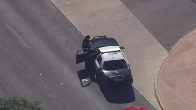 美国两起袭警事件,一名警察死亡