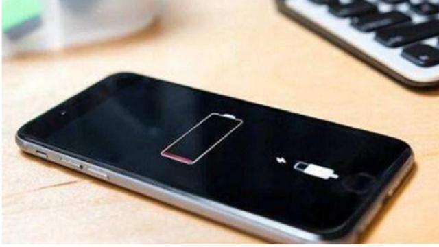 苹果免费换电池,顾客为啥还窝火?