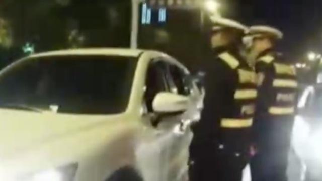安徽一女司机醉驾拒检,自称