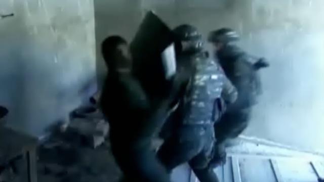 零下20度!新疆武警磨砺反恐排头兵