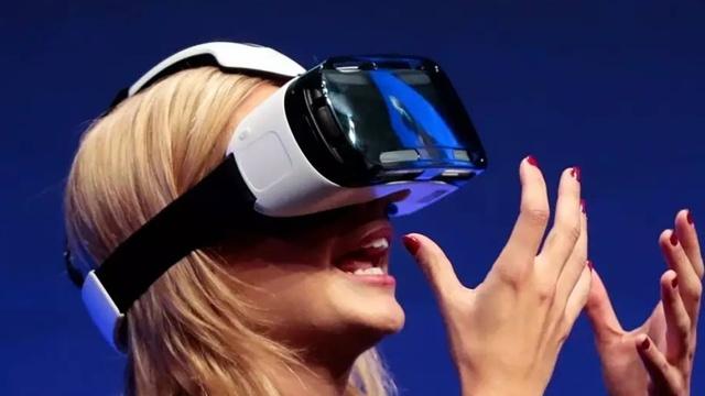 VR不好卖!商家卖VR免费赠送性爱片