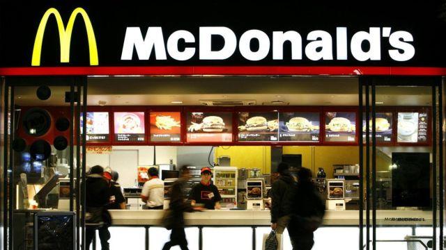 把自己卖了的麦当劳,能打过外卖吗