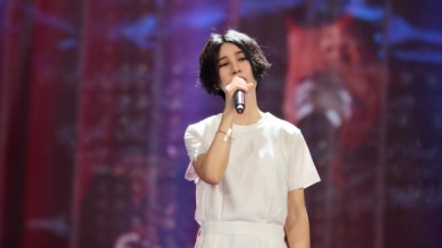 尚雯婕演唱《乱世巨星》