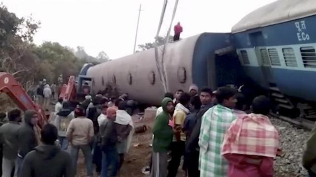 印度火车脱轨,死亡人数上升至39人