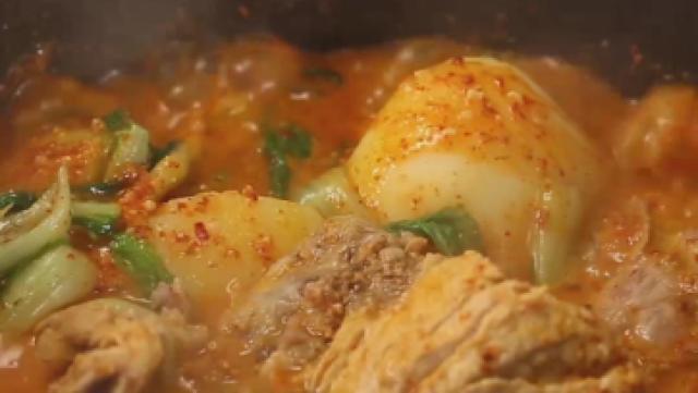 我可能做了一锅假的土豆排骨汤