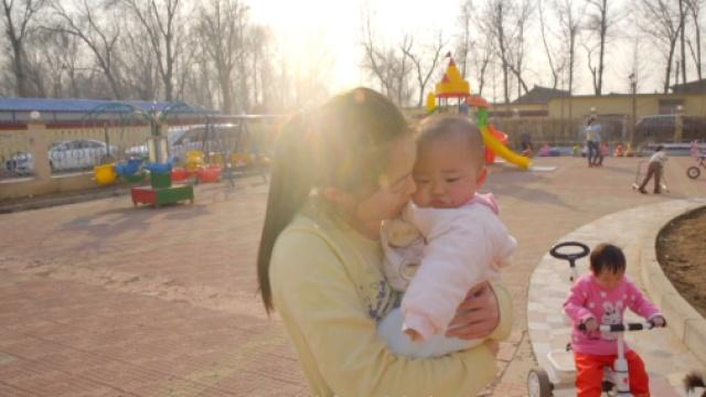 很多中国的残障儿在国外被照料