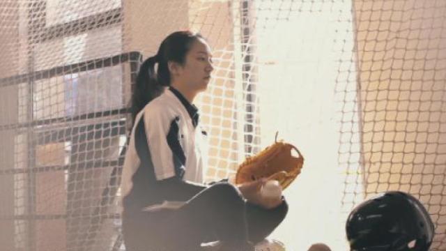 95后获封棒球女神,颜值逆天似明星