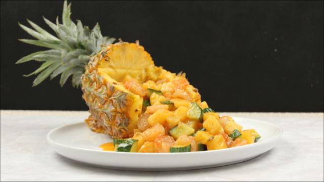 水果和海鲜的奇妙搭配-菠萝虾球