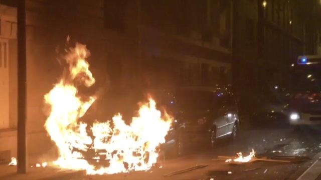 巴黎华人抗议男子被杀,遭暴力驱散