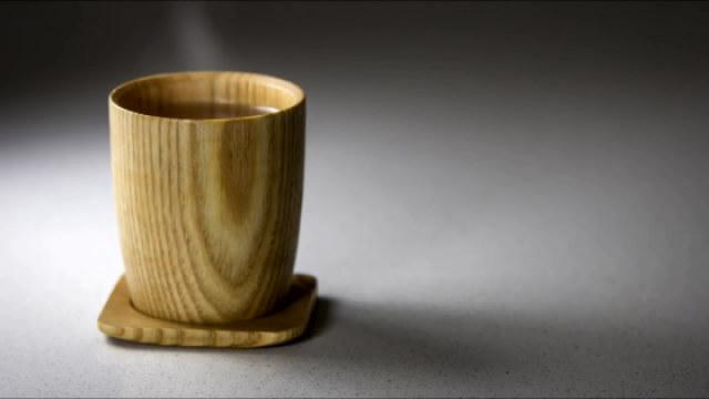 你看过怎样用木头做杯子吗?