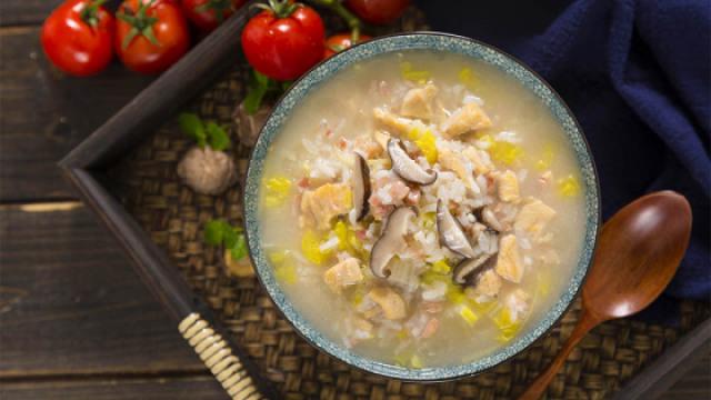 美好的一天从一碗香菇滑鸡粥开始~