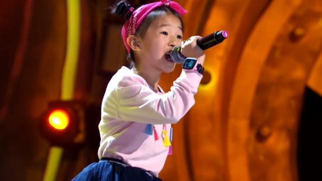 家庭乐队主唱王正尧将摇滚融入民歌