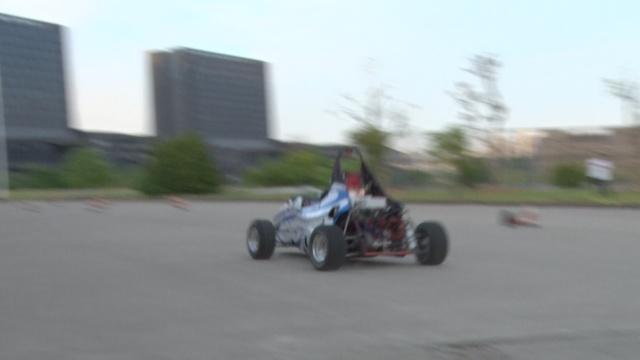 牛!大学生自制赛车,玩速度与激情