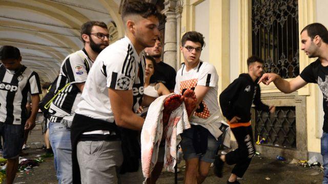 尤文失利引发球迷骚乱,超200人受伤