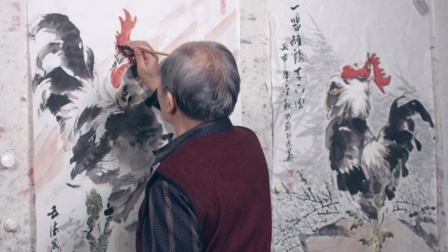看他画的鸡与黄永玉所画有何不同