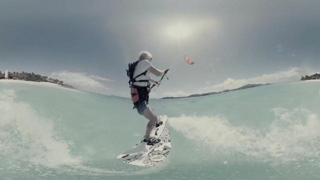 夏天怎么玩?要不来试试风筝冲浪?