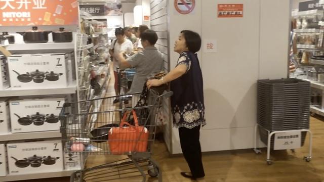 开业1周,网红家居店被大妈占领