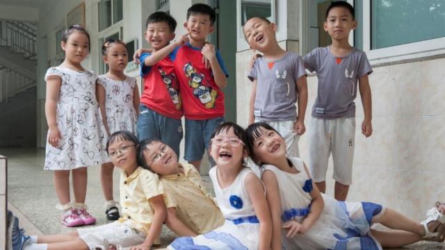 杭州一小学新生中竟然有11对双胞胎
