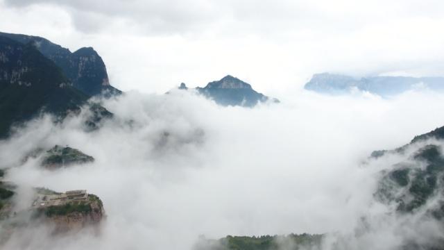 雨后太行山:云雾缭绕宛如人间仙境