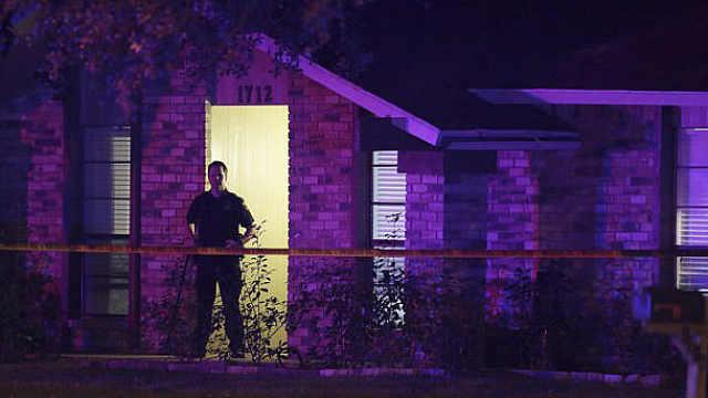 得州一住宅内发生枪击案,8人死亡